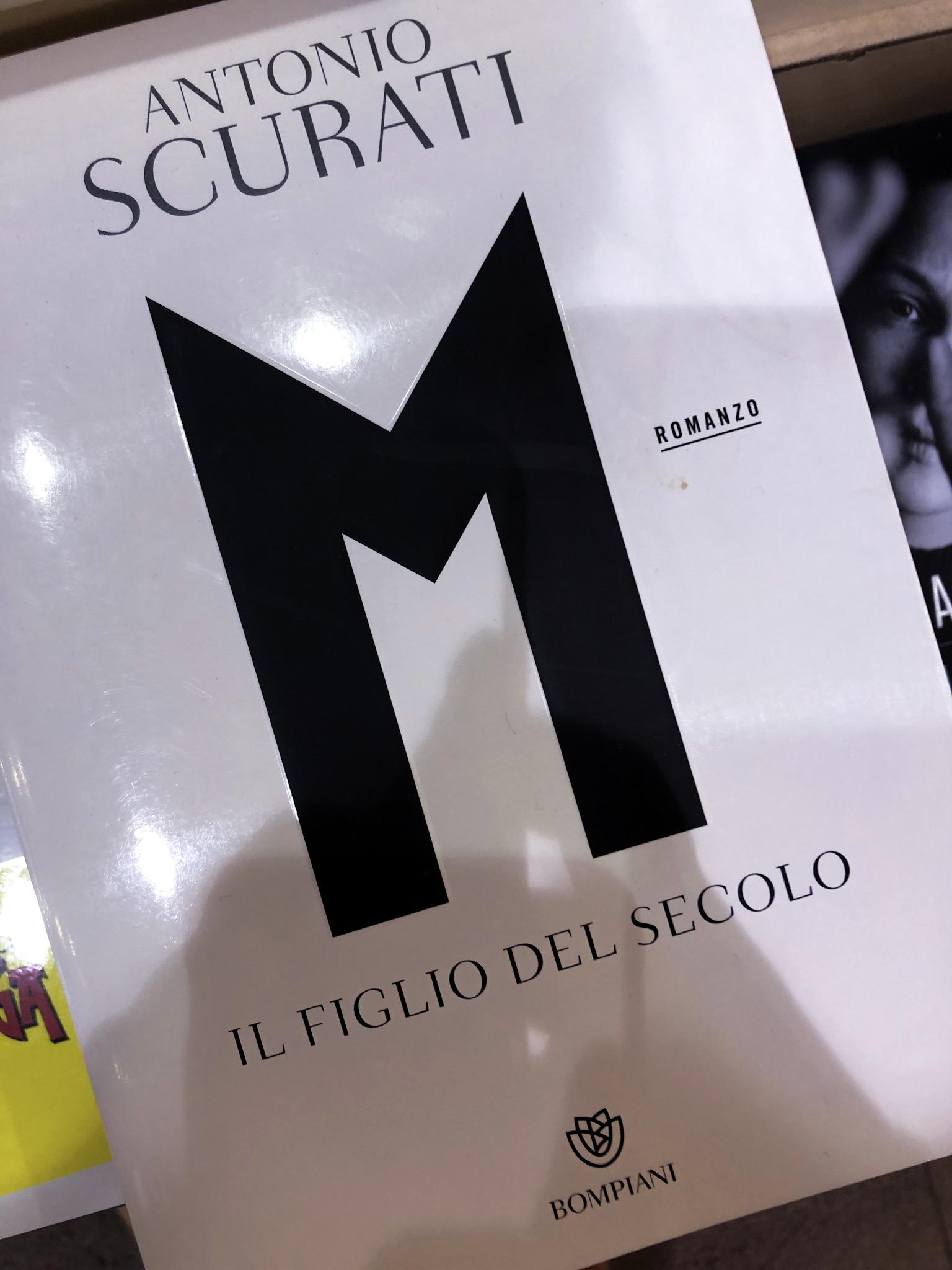 """Libro """"M. Il Figlio del Secolo"""""""